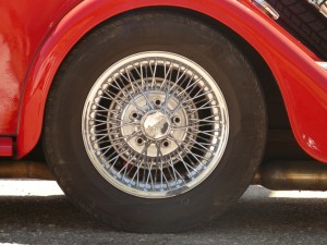 A nyári gumi segít a biztonságos közlekedésben