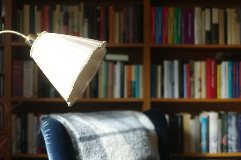 LED olvasólámpa többféle színben
