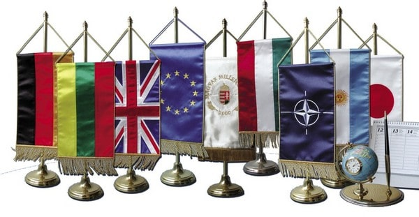 Asztali zászló készítés egyedi igényekre szabva